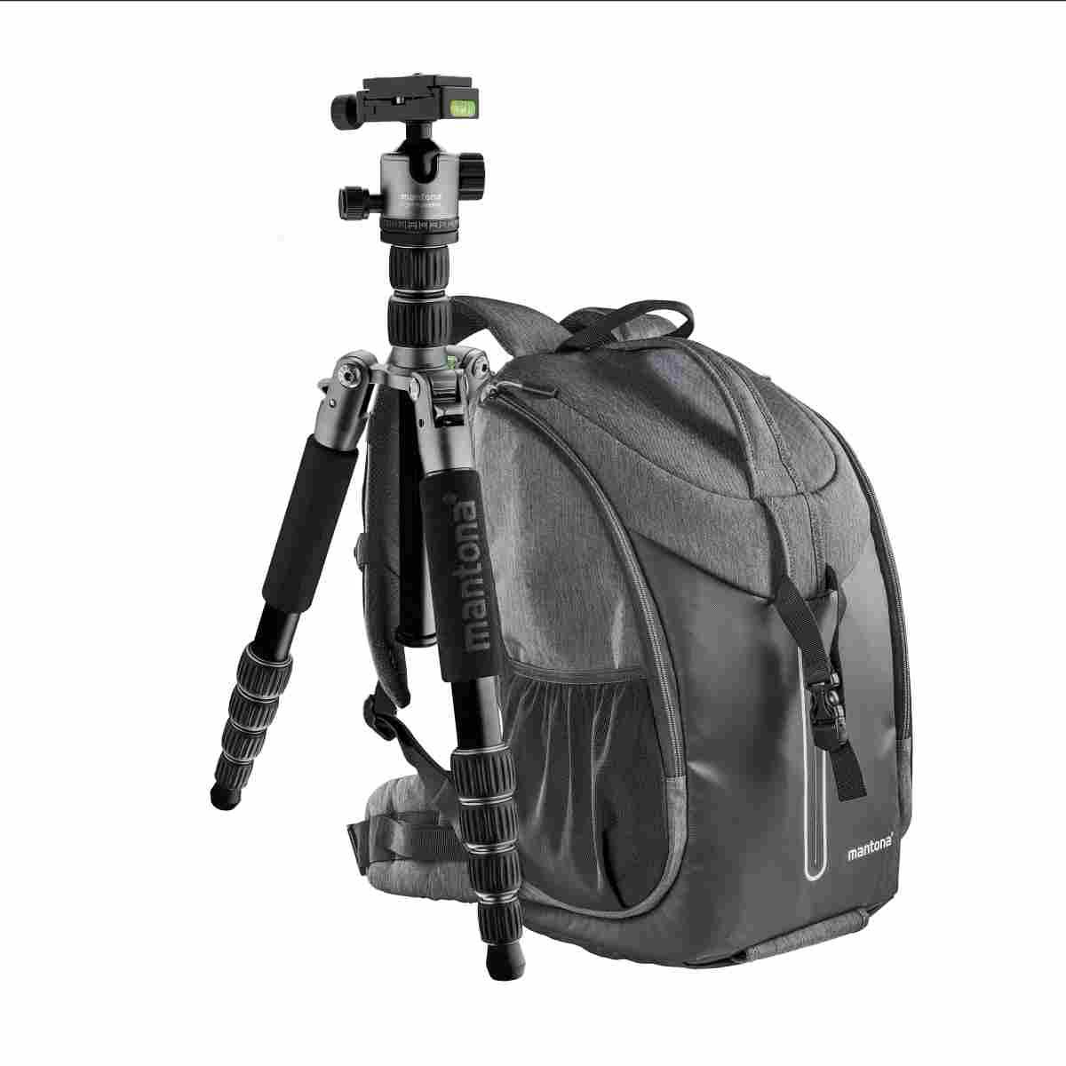 Mantona Camera Backpack Tallinn + Tripod Light Traveller